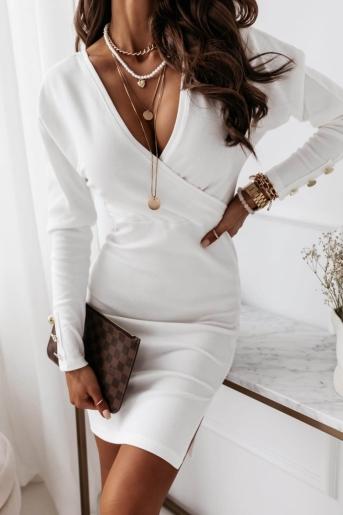 Biała sukienka zakładana z paskiem