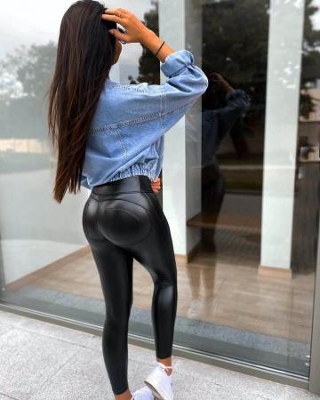 Czarne legginsy eko skora Push-Up