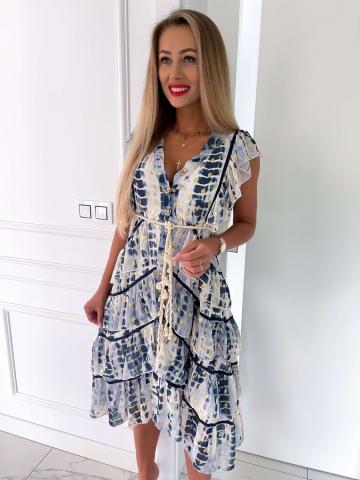 Kremowo-błękitna sukienka z falbankami