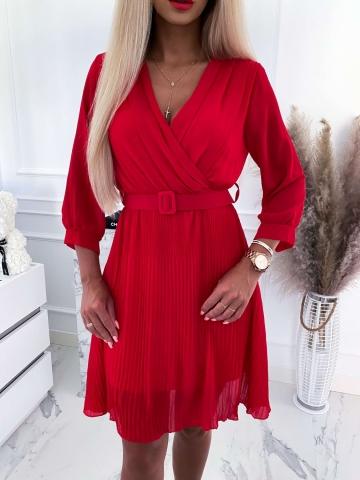 Sukienka plisowane Eliza w kolorze czerwonym z paskiem