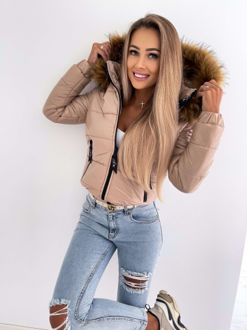Beżowa pikowana kurtka z futerkiem