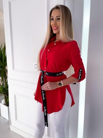 Czerwona długa koszula z paskiem