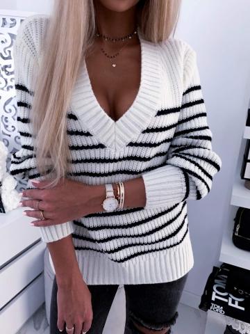 Ciepły sweter w paski By Me
