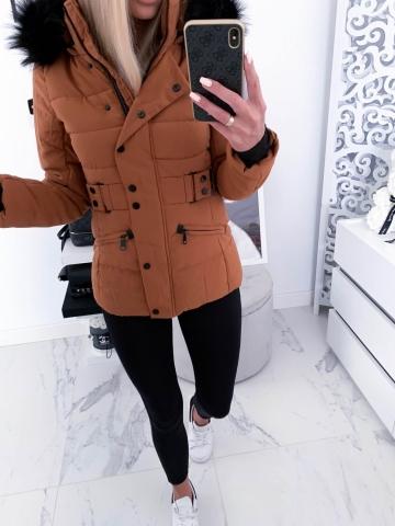 Brązowa kurtka czarne futerko pasek