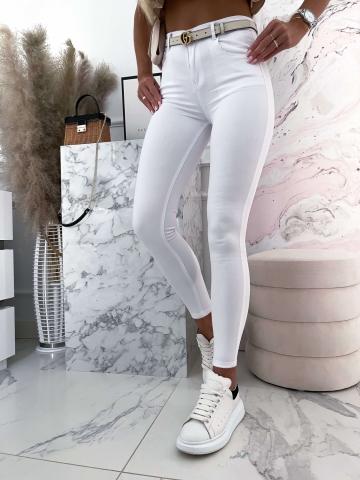 Białe spodnie rurki z wysokim stanem