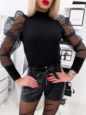 Czarny sweterek z bufkami
