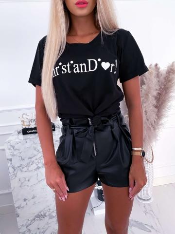 Czarny T-shirt z białym napisem