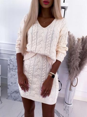 Morelowy sweterkowy komplet warkocz