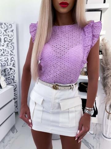 Liliowa ażurowa bluzka z falbanką