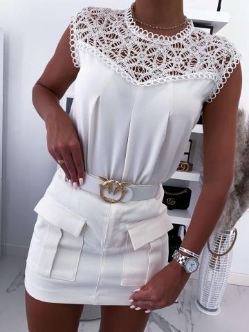 Biała lniana bluzka z gipiurą