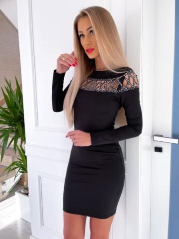 Czarna sukienka mini zdobiona cyrkoniami