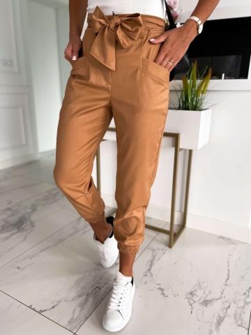 Karmelowe spodnie Joggery Lola