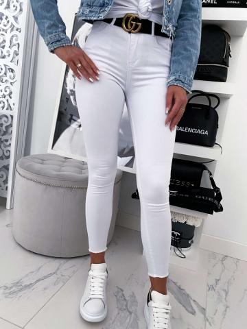 Białe spodnie dopasowane wysoki stan