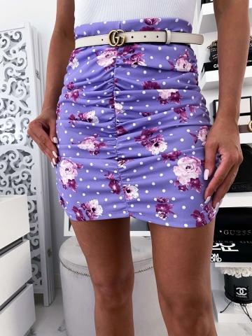 Fioletowa spódniczka dopasowana w kwiaty i kropki