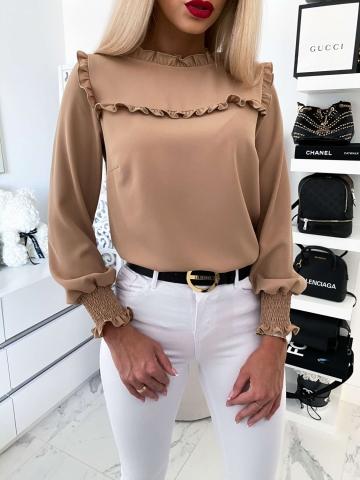 Beżowa bluzka z falbanką By Me