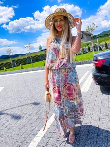 Długa letnia sukienka z rozcięciem Etno