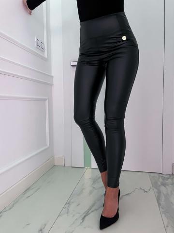 Czarne dopasowane spodnie eko skóra