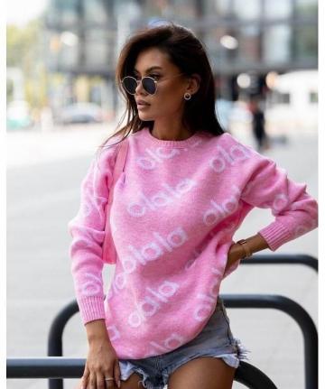 Długi różowy sweterek z napisem olala