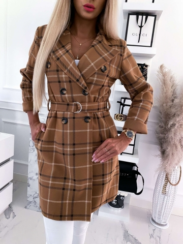 Karelowy płaszcz w kratę z paskiem