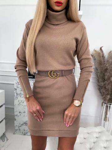 Beżowa sweterkowa sukienka golf Marii