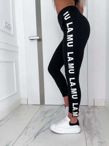 Czarne dresowe spodnie z lampasem LaMu
