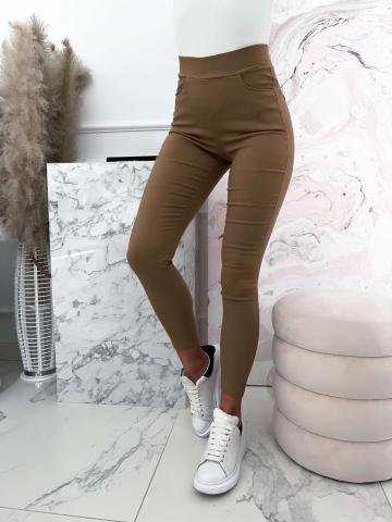 Karmelowe elastyczne spodnie z wysokim stanem