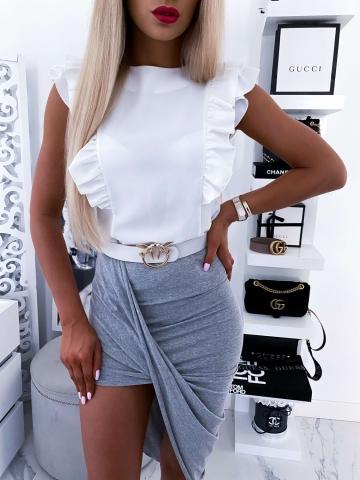 Biała elegancka bluzka z falbanką na rękawach