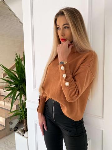 Ciepły sweter oversize golf Camel