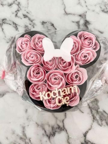 Myszka Minnie z róż mydlanych Różowa
