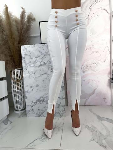 Białe eleganckie spodnie z wysokim stanem