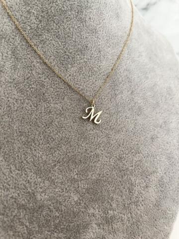 Naszyjnik z małą literką M