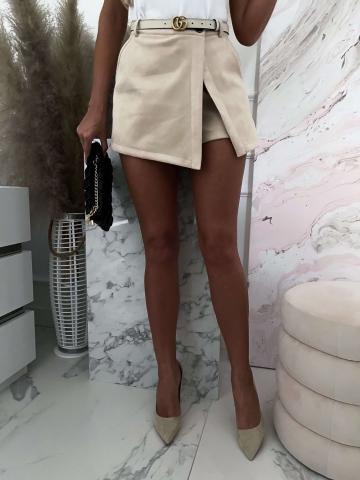 Beżowe zamszowe spódnico-spodenki Bacardi